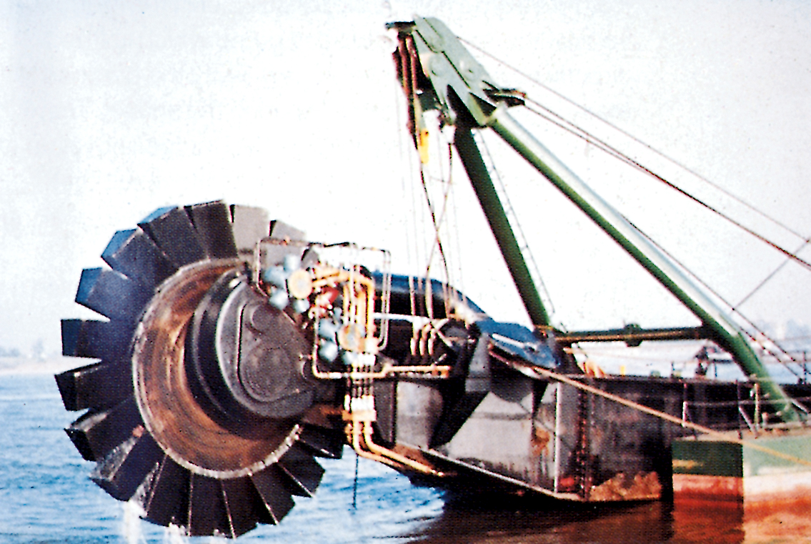 Bucket-wheel dredgers