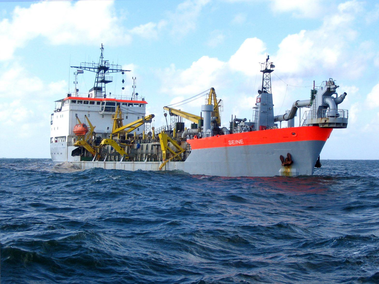 Trailing suction hopper dredgers